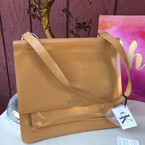 💗 SALE 💗 NWT Calvin Klein Shoulder purse Leather